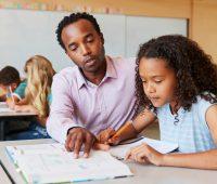 Aplicativos que visam facilitar o trabalho do professor